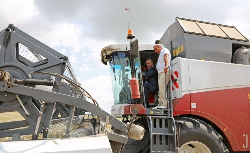 Внесены изменения в программу субсидирования производителей сельхозтехники