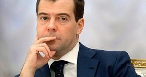Медведев научил Гайдаровский форум жарить омлет
