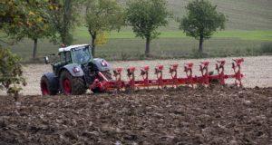 Аграриям в Дагестане компенсируют 50% затрат на технику для борьбы с переуплотнением почвы